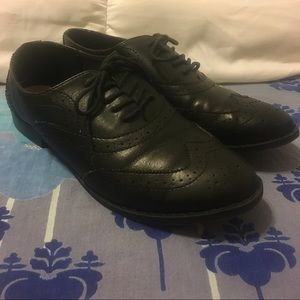 Old Navy Black Oxfords
